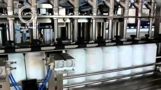 Линейный 12 головочный розлив и укупорка для пластиковых бутылок бытовой химии