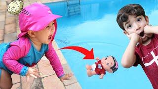 Boneca da Mônica bebê bebe - Minha irmã jogou na piscina - Turma da monica laços - lições