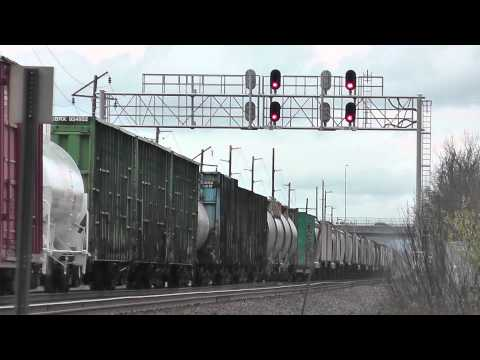 Train Meet. BNSF & SOUNDER Commuter Train - Auburn, WA