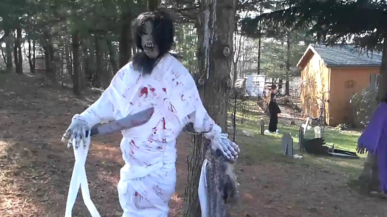 my dads halloween decorations scary 2009 edition youtube - Scary Halloween Decorating Ideas