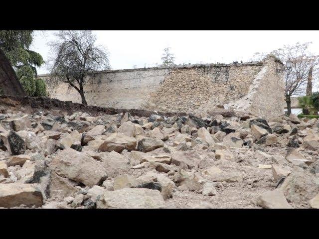 VÍDEO: El temporal derriba 25 metros del antiguo muro de la Huerta del Carmen, con más de 400 años