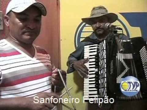 Sanfoneiro Felipão e Banda participam no Programa Quixeramobim no Ar
