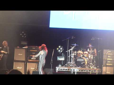 The Darkness 'Dan's Amplifer' HD @ Y Not Festival, Pikehall, Derbyshire, 04.08.2013.