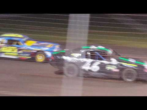David Holcomb Lakeside Speedway 9/17/16 Heet race