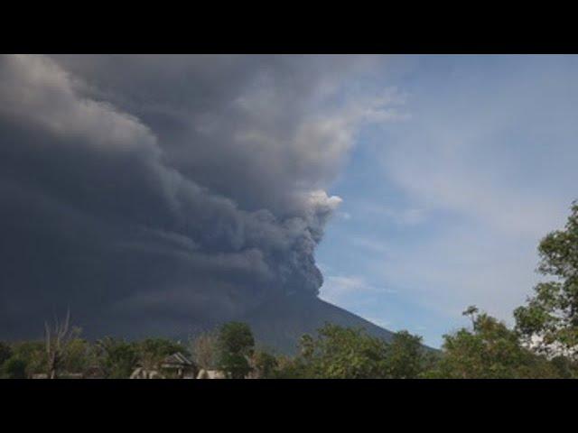 Alarma máxima en Bali por la erupción de un volcán