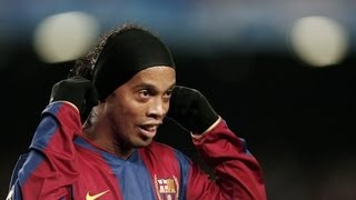 Ronaldinho's first goal for Barcelona in official game!