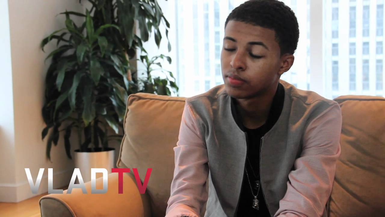 Diggy Simmons Freestyle- Must See - YouTube