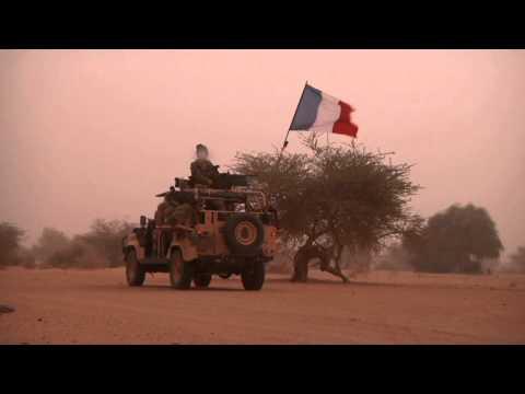 Hommage au Caporal-Chef Stéphane Duval du 1er RPIMa, mort pour la France le 29 Avril 2013
