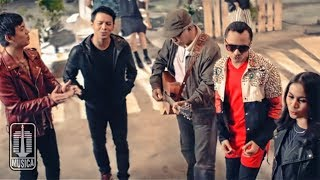 [ALL STARS] IWAN FALS NOAH NIDJI GEISHA D'MASIV - Kemesraan (Official Music Video)