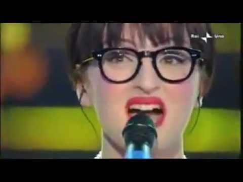 Arisa - Sincerità (live Sanremo 2009).avi