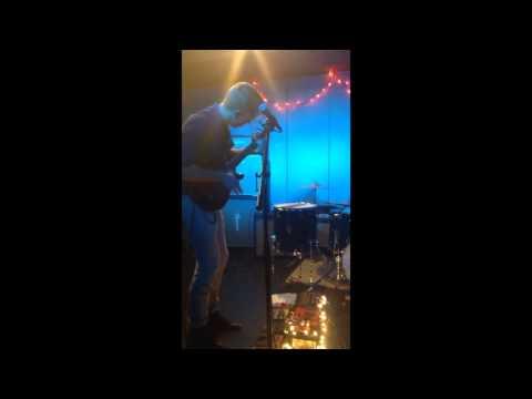 Killer Eskimos Live @ Under The Couch (3/26/14) mp3