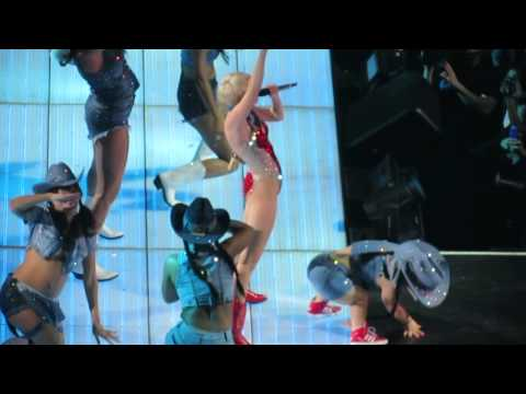 Do My Thang- Miley Cyrus Oakland HD