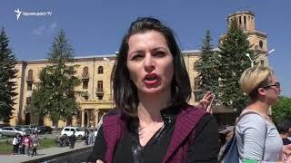 Վանաձորում ցուցարարներն արգելափակել են մարզպետարանի և քաղաքապետարանի մուտքերը