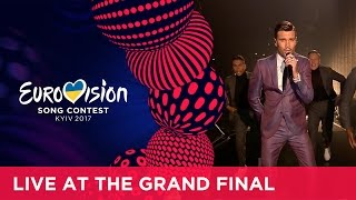 Video Robin Bengtsson - I Can't Go On (Sweden) LIVE at the Grand Final of the 2017 Eurovision Song Contest download MP3, 3GP, MP4, WEBM, AVI, FLV Juli 2017