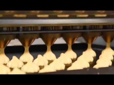 """Работа тестоотсадочной машины """"Вектор - 220"""". Производство эклеров, профитролей, отсадного печенья"""