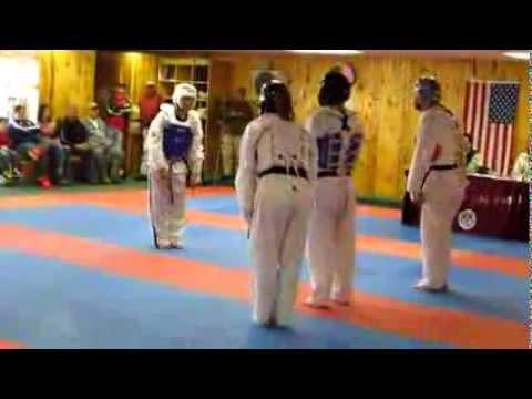 TaeKwonDo 3 vs 1 - best Knockout (black belt exsam)