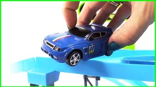 Flying Toy Cars! Superheroes Racing Track Demo: Cartoons For Children (мультфильм про джип)