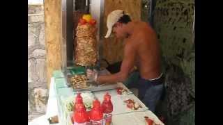 Процес приготовления шаурмы в Крыму(Мастер клас, снятый на видео на отдыхе в Крыму в Алупке: