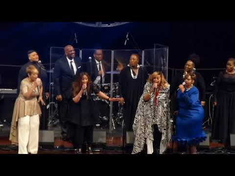 Opening - Awesome God (Clark Sisters, Brian Courtney & Jekalyn Carr)