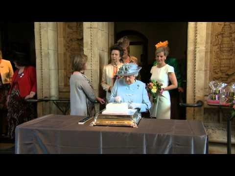 Queen opens Women's Institute annual meeting