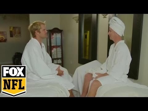 Cooper Manning gets an incredible massage with Greg Olsen | FOX NFL KICKOFF #MANNINGHOUR
