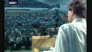 محمود درويش-سقط القناع