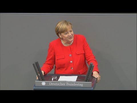 """""""Meine Zeit so gut wie vorbei"""": Merkel meinte die Redezeit & lobt die Regierungsarbeit"""