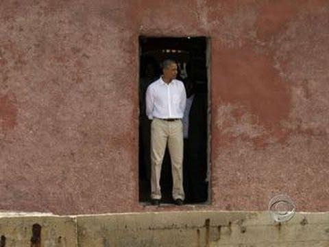Obama visits door of no return youtube for Door of no return