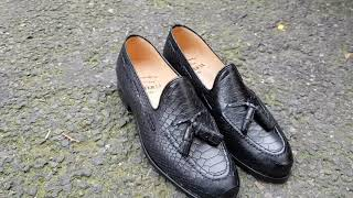 Video: Moccasin with Pompons Center 51 3136 Will black leather python print finish