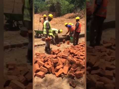 Watching African workers work is more funny than watching a comedy.