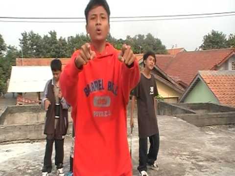 2.A.C Rapp Ft Rizki Mc - Cowo Plongo