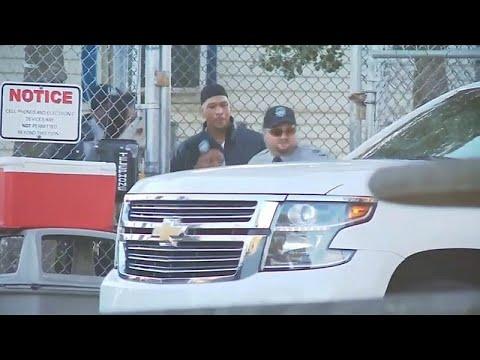 شاهد: الإفراج عن لاعب كرة القدم الأمريكية راي كاروث بعد 19 عاما من السجن…  - 17:55-2018 / 10 / 22