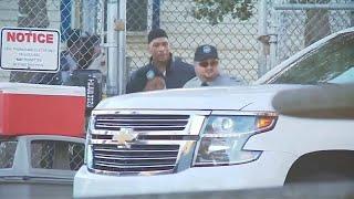 شاهد: الإفراج عن لاعب كرة القدم الأمريكية راي كاروث بعد 19 عاما من السجن…
