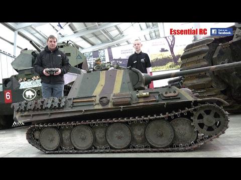 BIG 1:4 SCALE RC PANTHER TANK at BOVINGTON TANK MUSEUM [UltraHD & 4K]