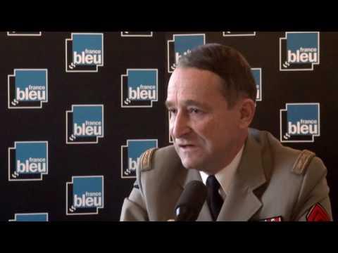Pierre de Villiers, chef d'état-major des armées, est l'invité de Stade Bleu