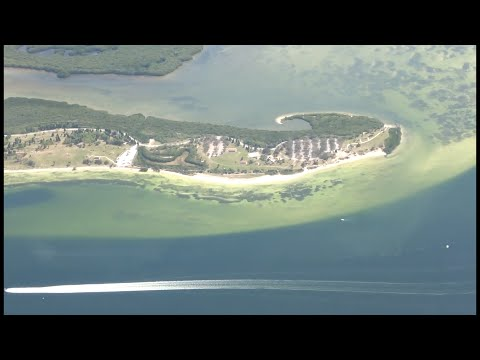 Tampa-Miami flight AA 250: Downtown Tampa, McDill AFB, Picni