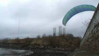 Paragliding at the Stannergate, Dundee Clip 2
