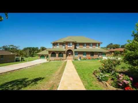 GRAND DESIGN HOME – 1 ACRE BLOCK WITH SUBDIVISION POTENTIAL Scott ...