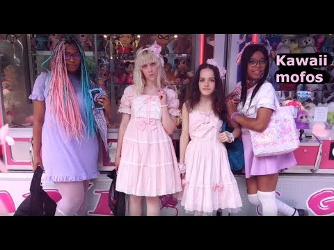 Sweet lolita and other kawaii fashions in paris