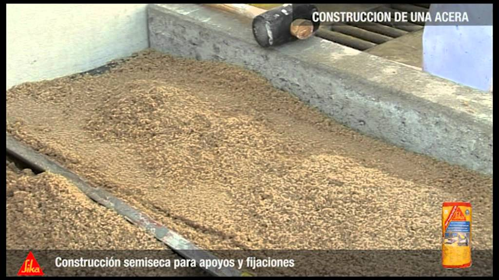 Construcci n acera sika espa a youtube for Bordillos de hormigon para jardin