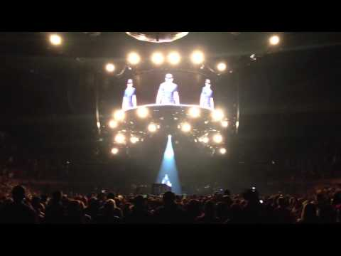 Luke singing Bryan Adams in Edmonton