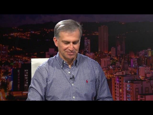 El rector de la UPB Pbro Gustavo Méndez Paredes - Sala de Juntas