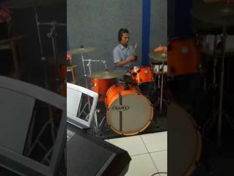 Sepanjang usia cover Drum