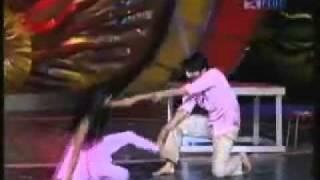 YouTube - Zara Nach Ke Dikha - Ranjha ranjha kardi.flv