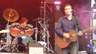 Jim McDermott with Justin Currie - Move away Jimmy Blue live at Stockton Riverside Fest. 2010.mp4