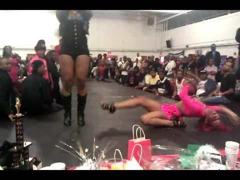 Sacoyia Prodigy vs Chanel Mizrahi North Carolina Awards Ball 2011