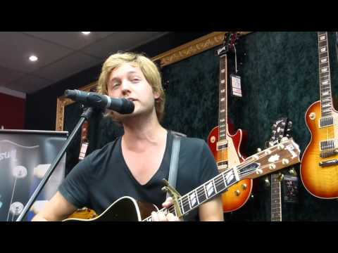 Nick Howard-Falling for you @Rockland Witten 29.08.2013
