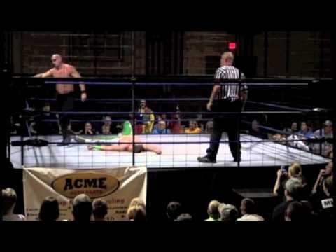 Sean Mulligan vs. The Lunatic -- Title Cage Match -- 9/26/15