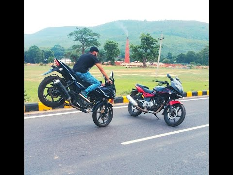 PULSAR 220 2017 VS 220 OLD MODEL STUNTS AND ACCELERATION
