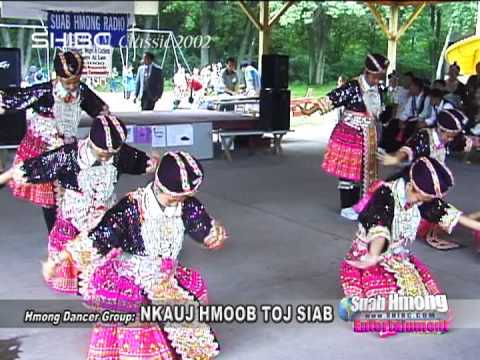 Suab Hmong Entertainment: Dancer Group NKAUJ HMOOB TOJ SIAB performed in 2002